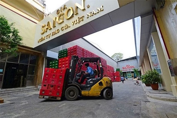 Shares of the Saigon Beer, Alcohol and Beverage Corporation, Sabeco, Việt Nam's biggest brewer, will be offered at an initial price of VNĐ320,000 (US$14) each on December 18.