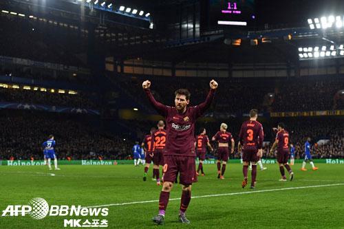 실수 하나…희비 엇갈린 첼시와 바르셀로나