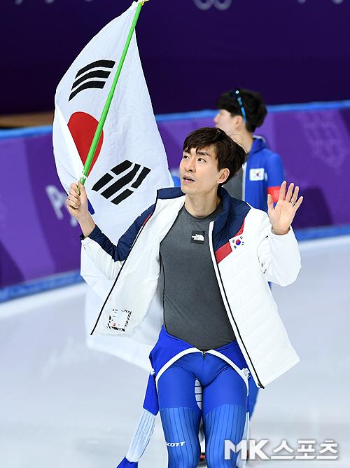 """이승훈 """"금메달 획득 전 폐회식 기수 통보받았다"""""""