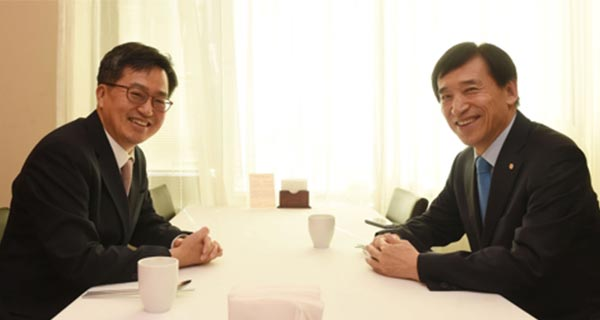 Kim Dong-yeon and Lee Ju-yeol