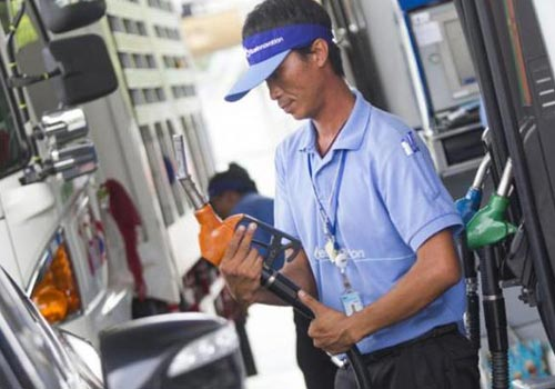 Oil companies such as PTT and Bangchak plan to offer B10 to motorists next year.