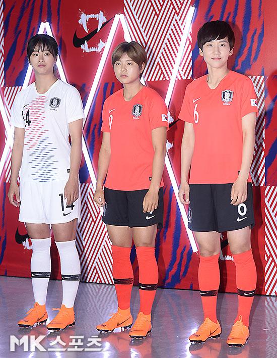 최유리-전가을-임선주 `새 유니폼 어때요?` [MK포토]