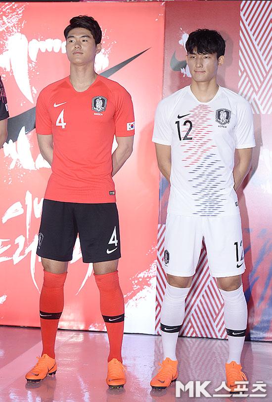 U-23 대표팀 이상민-조유민 `새 유니폼 어때요?` [MK포토]
