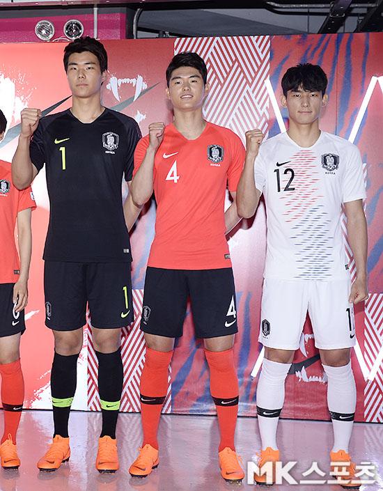 축구대표팀, 새유니폼 최초 공개