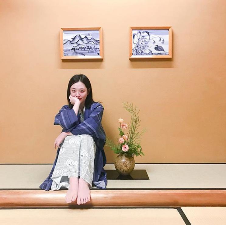 설리, 日 `도코노마`에 앉은 사진 한장 때문에…