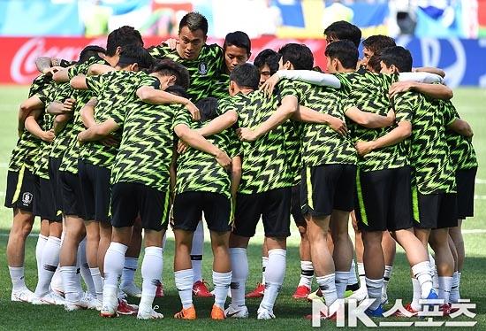 한국-멕시코, '비공개 훈련' 후 로스토프 이동