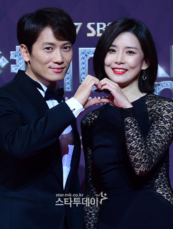 이보영♥지성, 둘째 임신 소식에 축하 봇물