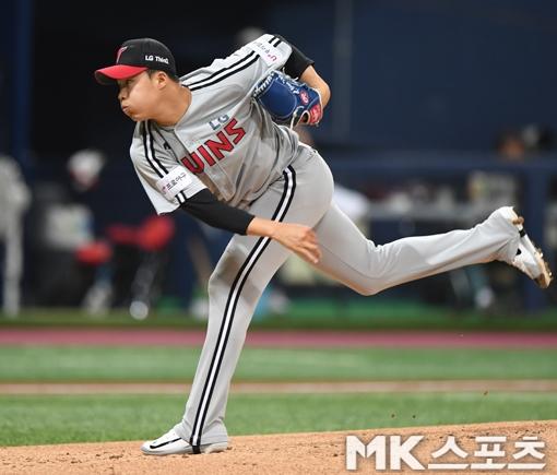 임찬규, 천적 SK상대 5.2이닝 5실점 '11패 위기'