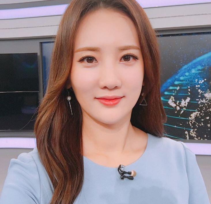 """김지원 아나 """"`FM대행진`으로 실검 1위 신기해"""""""