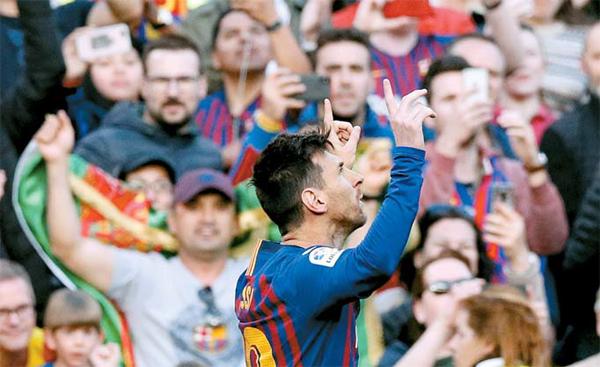 31 바르셀로나 스페인 FC 메시 메시 의 경기 에서 리오넬 메시 바르셀로나 (FC 바르셀로나) FC 첫 을 넣고 기뻐 하고 있다 있다. [로이터 = 연합뉴스]
