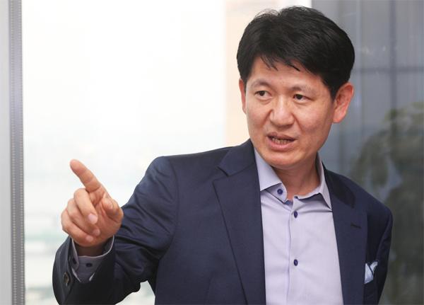 """""""대한항공 부채비율 880%…유휴자산 팔아 빚부터 갚아야"""""""
