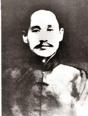 민족주의 역사가로만 알려져 있는 신채호는 사실은 무정부주의자로 무력혁명을 꾀하다가 체포되어 옥사하였다. 그의 주장을 유사역사학 쪽은 일부만 과장하여 선전하고 있다./출처=위키피디아 퍼블릭 도메인