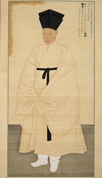 조선의 의복은 소매가 넓고 여러옷을 겹겹히 입어 중국인들의 놀림을 샀다. 그림은 조선시대 사대부의 의복제도를 엿볼수 있는 서직수 초상.