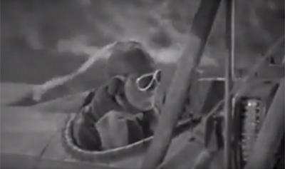 """영화 """"Dawn Patrol(1938)""""의 한 장면. 헬멧 위에 단 흰색 띠가 휘날리고 있다. /출처=The Movie Database (TMDb)"""