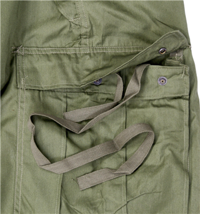 M1951의 카고 포켓과 끈 /출처=http://armyandoutdoors.co.uk/p/9172402/us-original-arctic-m-1951-m65-trouser.html