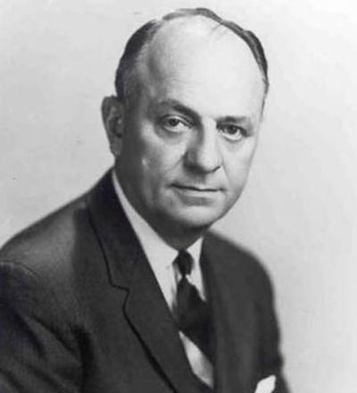 루서 테리 미국 보건위생국장이 1964년 1월11일 발표한 <담배와 건강> 보고서는 담배산업을 관 속에 집어넣고 뚜껑에 못을 박았습니다.