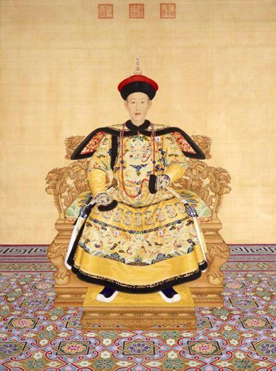 조선을 영구적으로 멸망시키려고 한 청나라 6대 황제 건륭제. 초상화는 그의 젊은 모습을 담고있다.