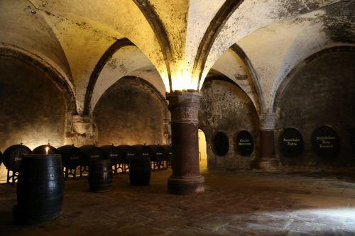 클로스터 에버바흐의 와인 저장고