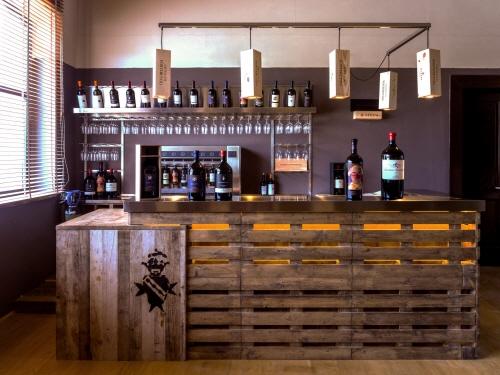 까스텔로 폰테루톨리의 와인 숍