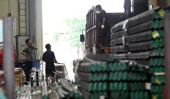 경기도 시화공단에 있는 한 중소기업 공장. 중소기업들은 근로시간 단축이 중소기업 부담만 크게 늘릴 수 있다고 우려하고 있다. /사진=매경DB