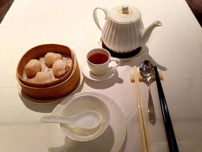 새우딤섬 얌차이. 홍콩의 얌차이 식당은 주말 점심시간이면 가족단위 손님들로 붐빈다.