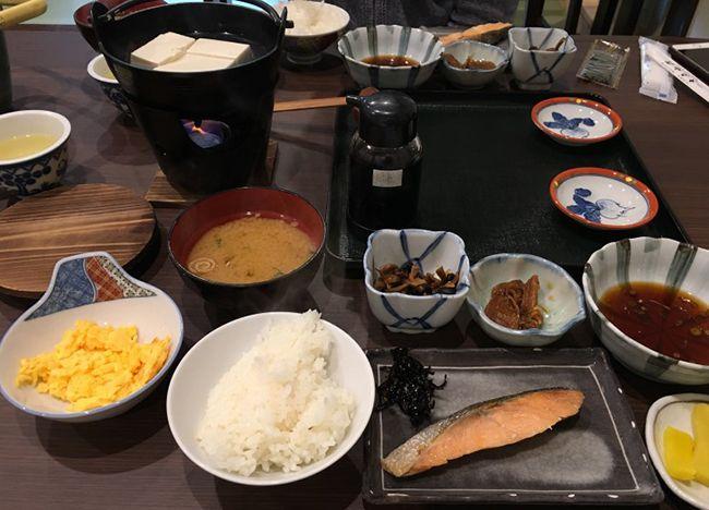 료칸 가격이 호텔보다 훨씬 높은 이유는 보통 온천보다는 식사때문이다.