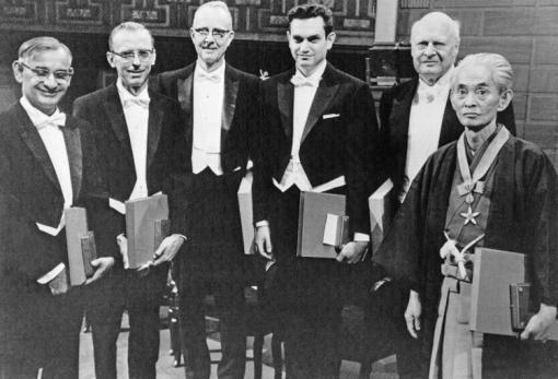 1968년 노벨상 수상자들과 함께 한 가와바타 야스나리. 다른 수상자들과는 달리 야스나리의 표정에서는 짙은 허무가 느껴진다.