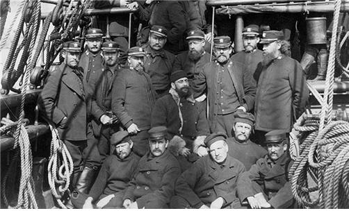 1884년 미 해군 선원들의 모습. 대다수가 피-코트를 입고 있다. /출처=미 해군군사연구소 홈페이지