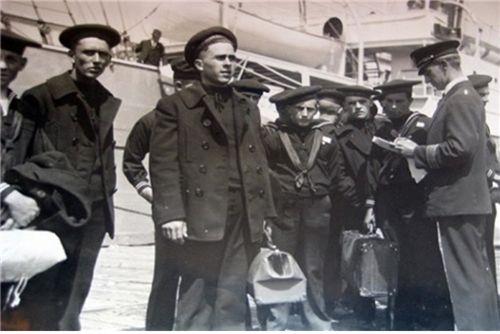 1920년대 미 해군 피-코트 /출처=핀터레스트