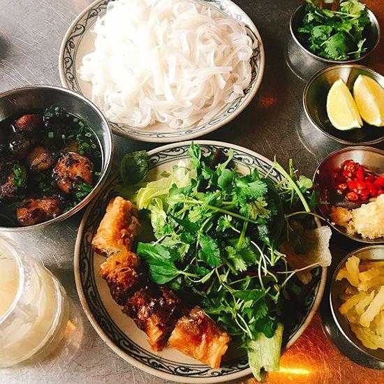서울에서 즐기는 고수가 들어간 베트남 요리