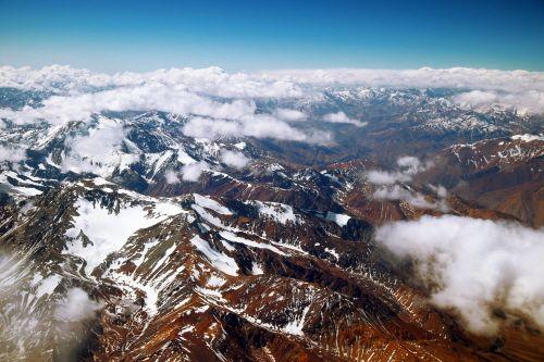 칠레의 천연 요새가 돼 주는 안데스산맥