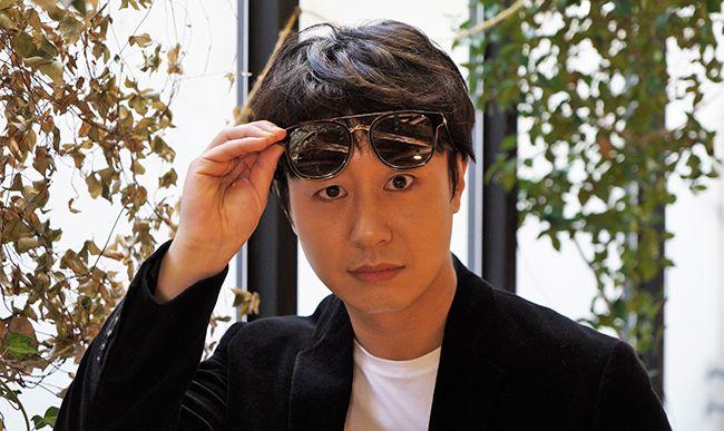 배우 배유람이 선글라스를 쓰고 코믹한 표정을 지어보이고 있다. / 사진=양유창 기자