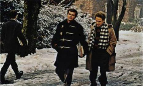 """영화 """"애정과 욕망""""에서 더플 코트를 입고 있는 잭 니콜슨과 아트 가펑클 /출처= https://www.imdb.com/"""