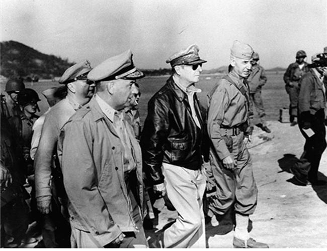 1950년 9월 인천상륙작전 당시의 맥아더 장군 /출처=미 육군군사연구소