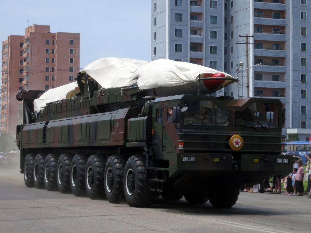 핵탄두를 실을 수 있는 북한의 대륙간탄도미사일(ICBM) /사진=위키피디아