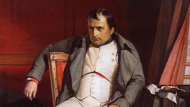 패전 후 나폴레옹의 초라한 모습. 클리오는 해치백의 무덤에서 나폴레옹의 전처를 밟을까. 현재까지 분위기는 2030 세대의 관심을 끌며 아시아