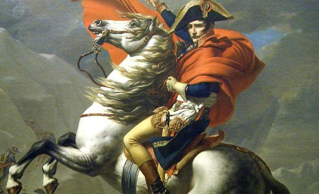 유럽을 정복하고 세계 정복의 야욕을 드러낸 나폴레옹. 프랑스 르노자동차의 소형 해치백 클리오가 나폴레옹의 전성기 시절의 기개를 해치백의 무덤인 한국에서 뽐낼 수 있을까.