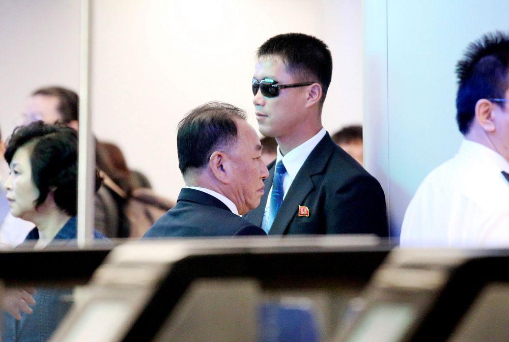 미국 방문을 마친 김영철 북한 노동당 부위원장 겸 통일전선부장이 4일 베이징을 거쳐 귀국길에 오르고 있다. 김정은 북한 국무위원장의