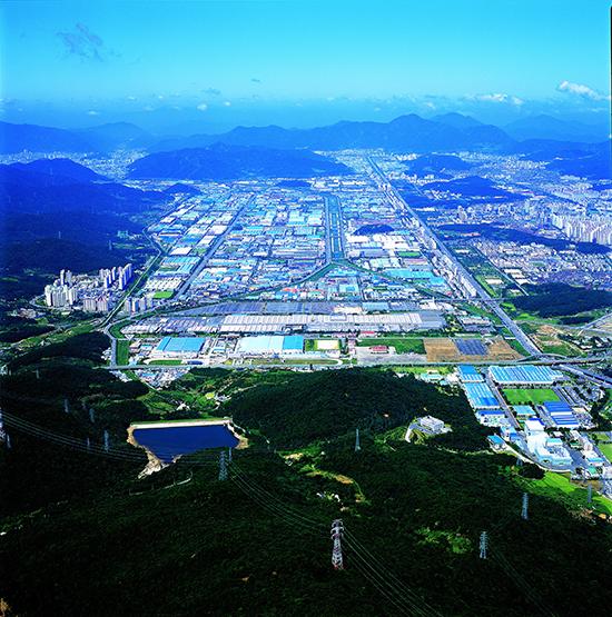창원 국가산업단지 전경 /사진 제공〓창원시