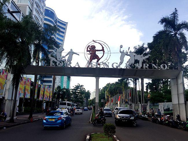 2018 하계 아시안 게임 축구 경기가 열리는 자카르타 중심부의 글로라 붕카르노(Gelora Bung Karno) 주경기장 주변.