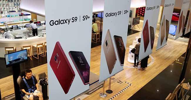 삼성전자는 스마트폰 판매 부진 여파로 지난 2분기 영업이익이 전기 대비 5.3% 감소한 14조8000억원을 기록했다고 6일 밝혔다. 사진은 삼성전자 서초사옥 딜라이트 전시관. /사진=김호영 기자