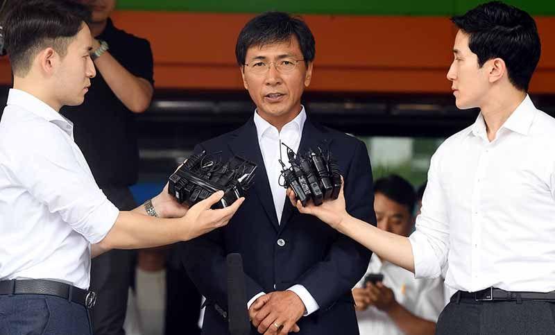 성폭행 등의 혐의로 기소된 안희정 전 충남지사가 지난 14일 1심 재판에서 무죄를 선고받고 서울 마포구 서부지법 청사를 빠져나가고있다. /사진=매경DB