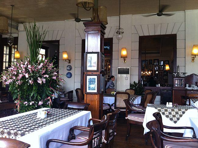 네덜란드 총독 관저 건물을 개·보수한 자카르타 구시가지의 카페 내부