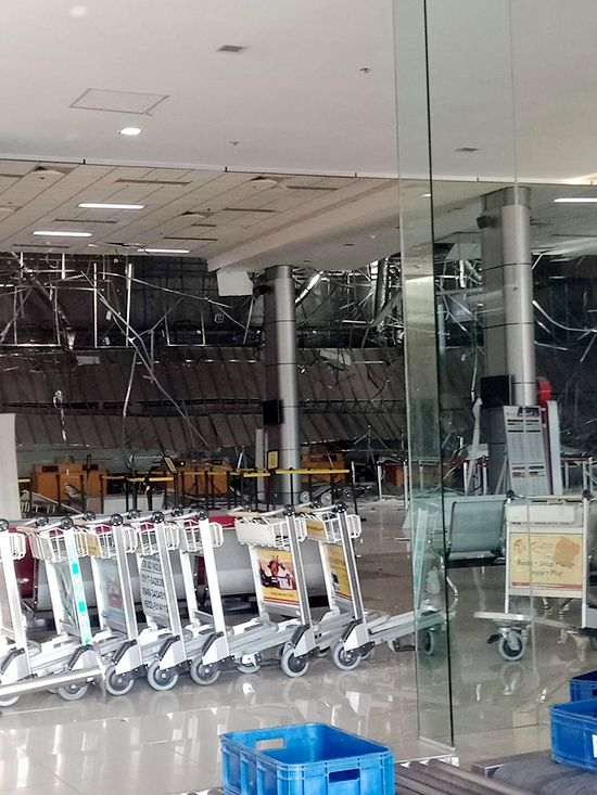 필자가 지진당시 머물고 있었던 필리핀 클락공항. 지진후 승객 터미널 내부가 크게 파손됐다.