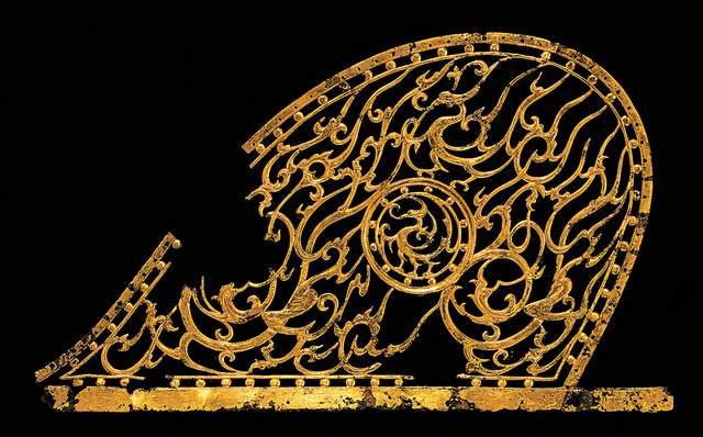 해뚫음무늬 금동장식