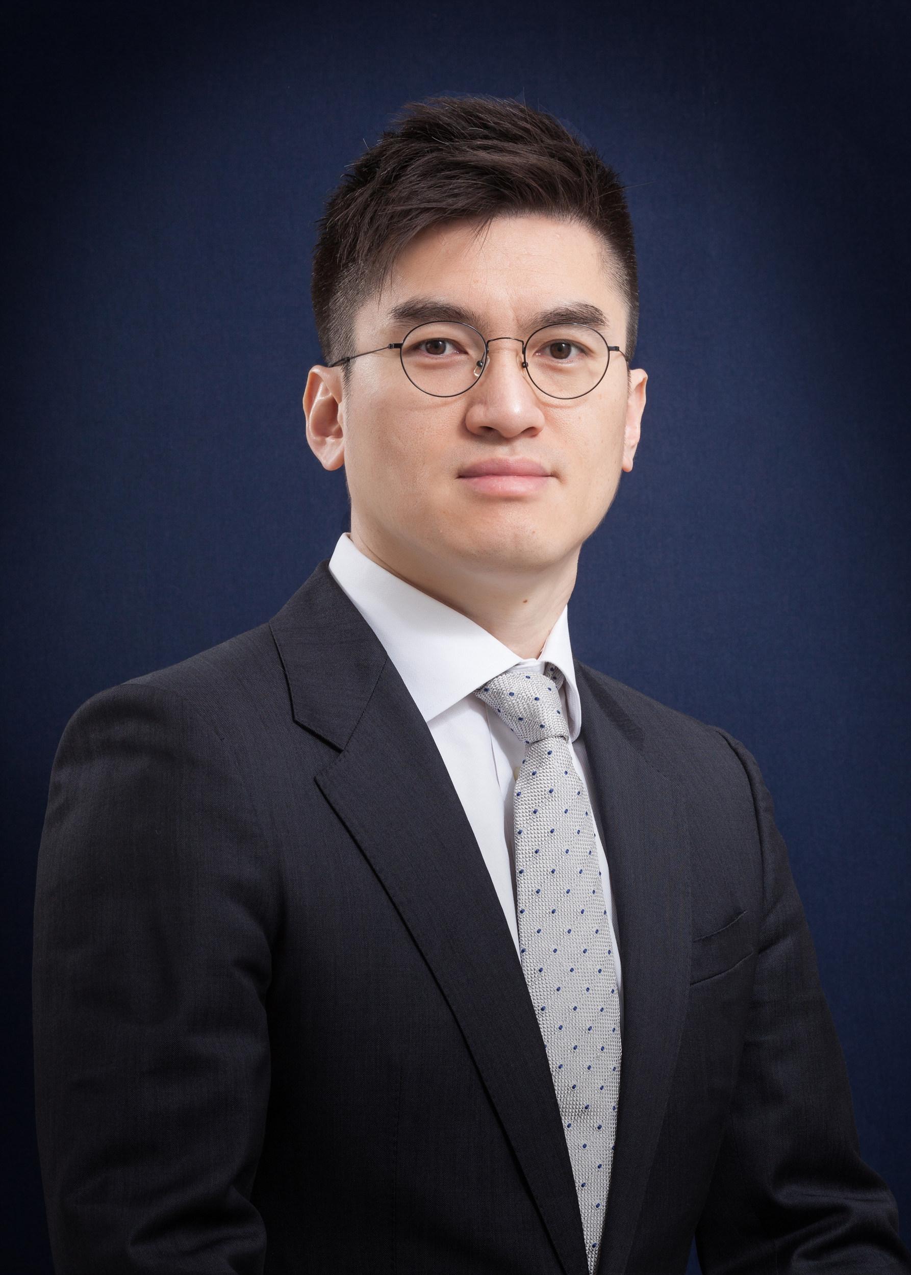 노무법인 휴머스<br/>김영택 대표