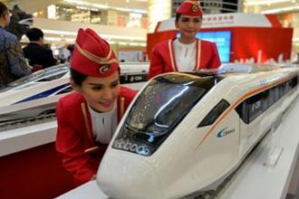 인도네시아 수도 자카르타의 한 쇼핑몰에 전시된 중국 고속철도. <사진제공=연합뉴스>
