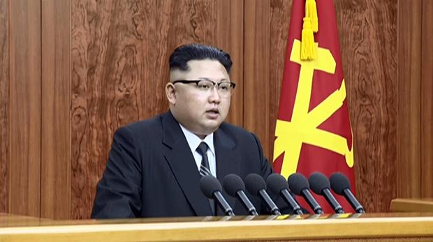 김정은 북한 노동당 위원장이 1일 새해를 맞아 육성으로 신년사를 발표했다. 조선중앙TV는 이날 낮 12시(한국 시간 낮 12시30분)부터 28분 동안 김 제1위원장의 신년사 발표를 중계했다.[사진=연합뉴스]