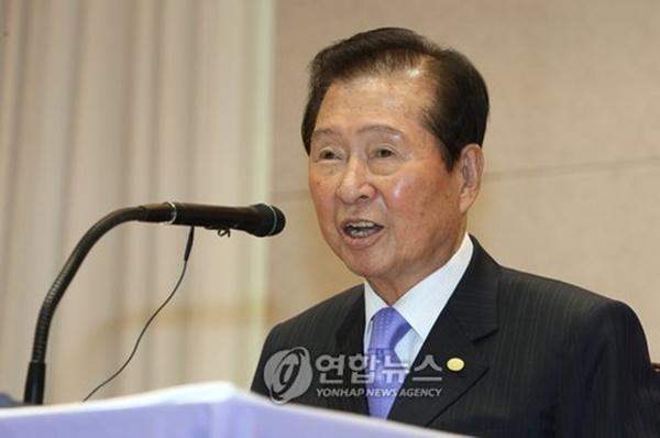 특별강연에서 발언하고 있는 김대중 전 대통령.[사진=연합뉴스]
