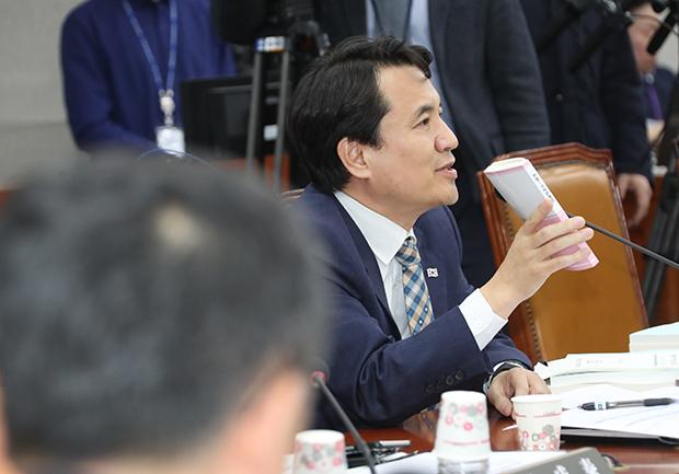 자유한국당 김진태 의원[사진=연합뉴스]